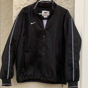 Nike Vintage Men's Black Windbreaker Jacket Size L